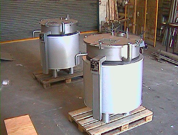 Doppelmantel Vorlagebehälter aus Werkstoff 1.4571 und 1.4301